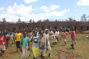 Otroci iz Nyangunga v Burudniju se že veselijo nove šole.